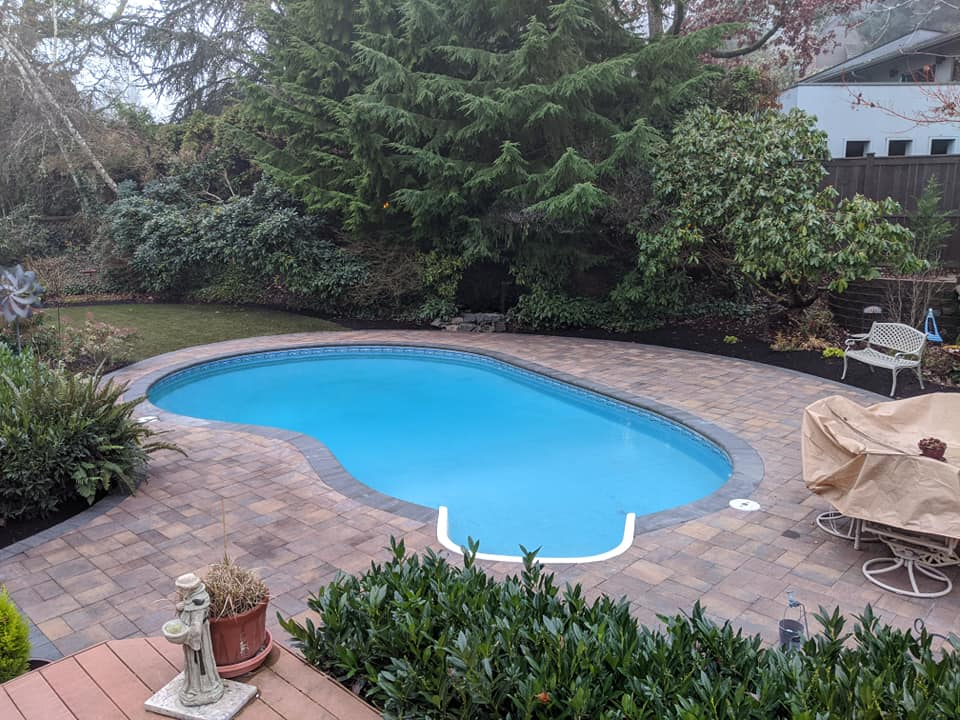 Oregon Landscaper photo example of pool project